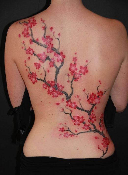 Mẫu hình xăm ở lưng hình hoa đào dành cho nữ cực đẹp