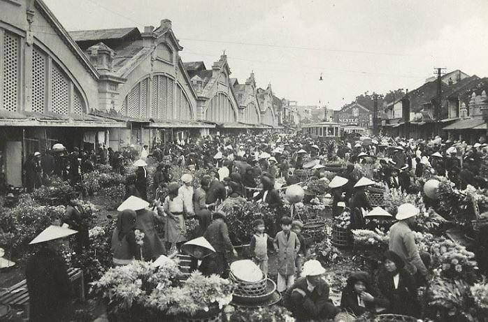 Hình ảnh hội chợ tết ngày xưa thật đông đúc và nhộn nhịp
