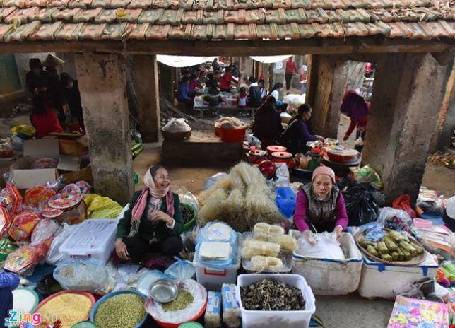Hình ảnh tết xưa tại một phiên chợ ở Hà Nội