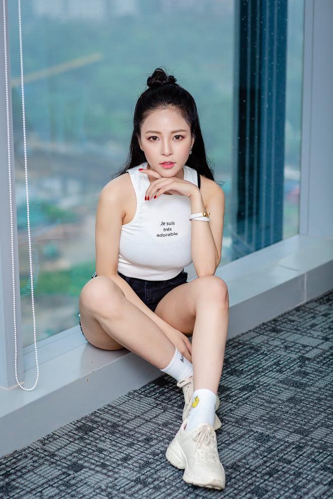 Hot girl Trâm Anh  sở hữu nét đẹp quyến rủ các chàng trai