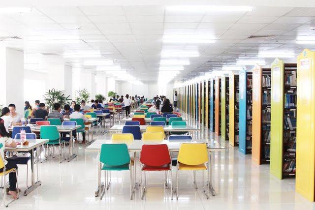 Thư viện trường ĐH Công nghệ TP.HCM - HUTECH