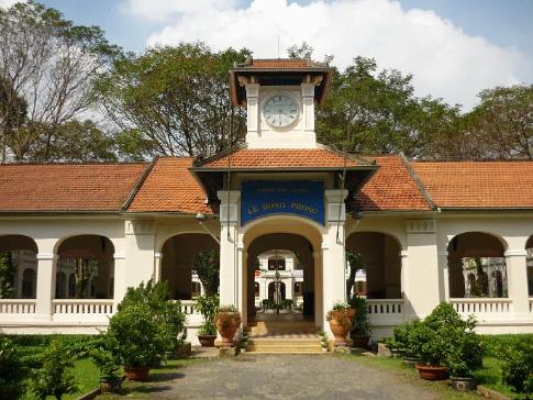 Trường THPT chuyên Lê Hồng Phong - TP.HCM