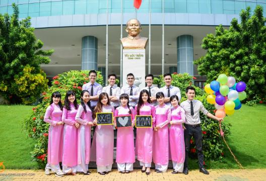 Đồng phục Đại học Tôn Đức Thắng