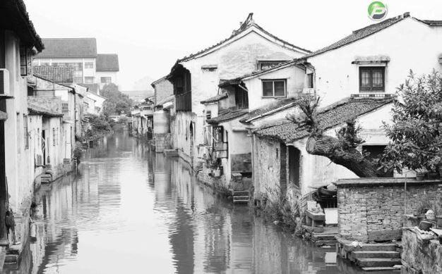 Tranh trắng đen nghệ thuật khung cảnh vùng quê sông nước